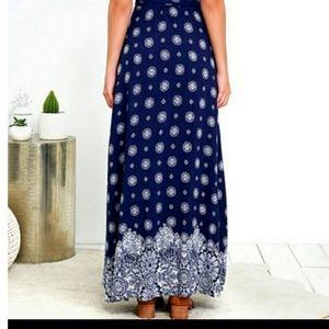 Lulu's Dresses - Lulus medallion floral printed wrap maxi dress S